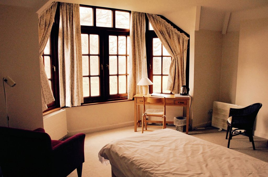A guest room at the Krishnamurti Centre